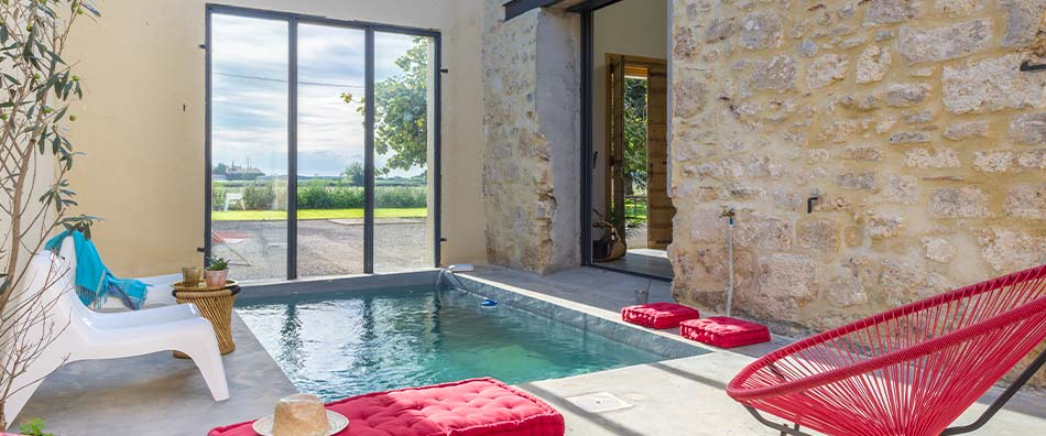piscine dans le patio